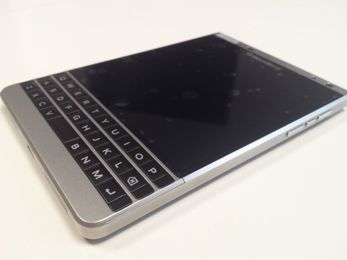 BLACKBERRY PASSPORT 32GB SILVER EDITION QWERTY